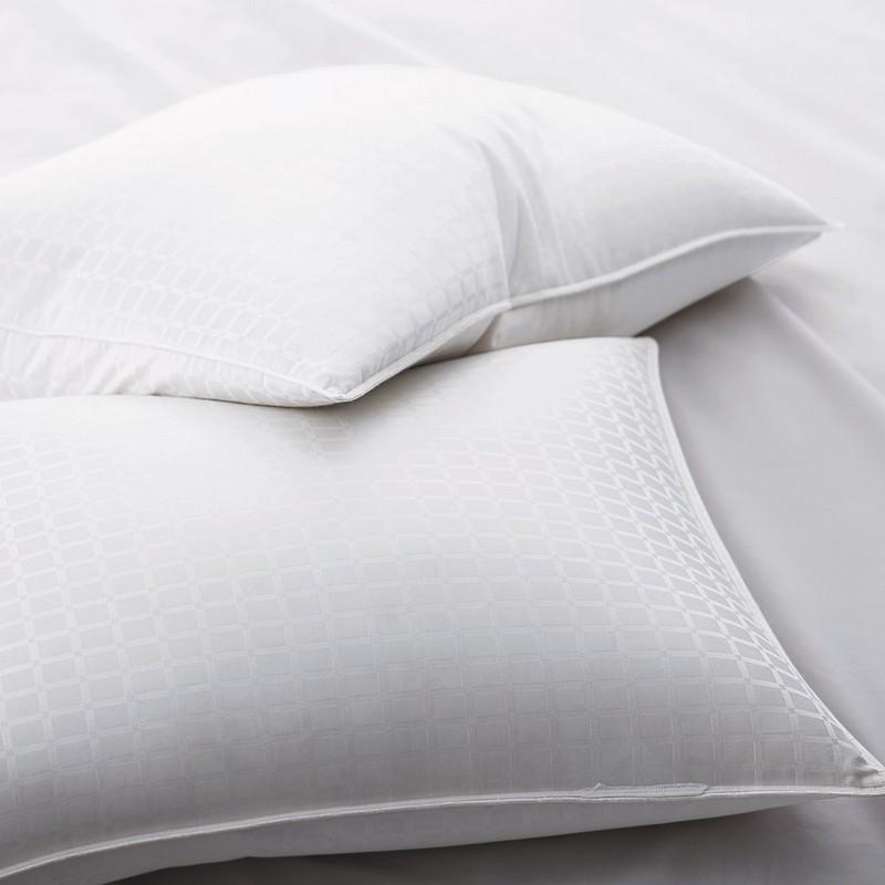 1 'ウィンドウペインパターン付き90%ホワイトグースダウン枕