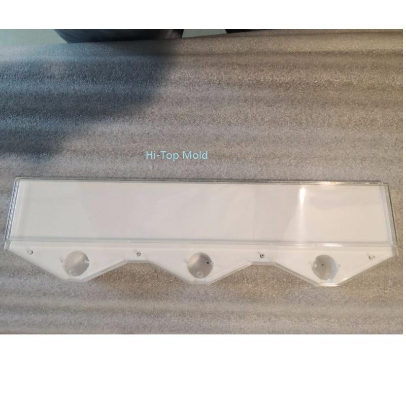 プラスチック製の部品