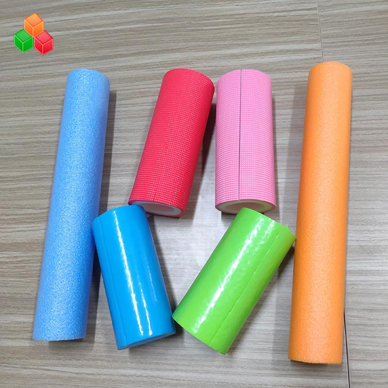 屋内の遊び場機器/包装用のカスタム形状のロゴ色のスーパーソフト中空発泡チューブPVC EVA EPE発泡ラウンドチューブ
