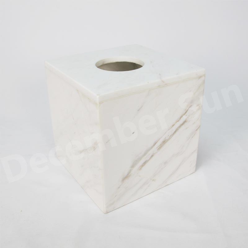 白い大理石のバスルームアクセサリーセット