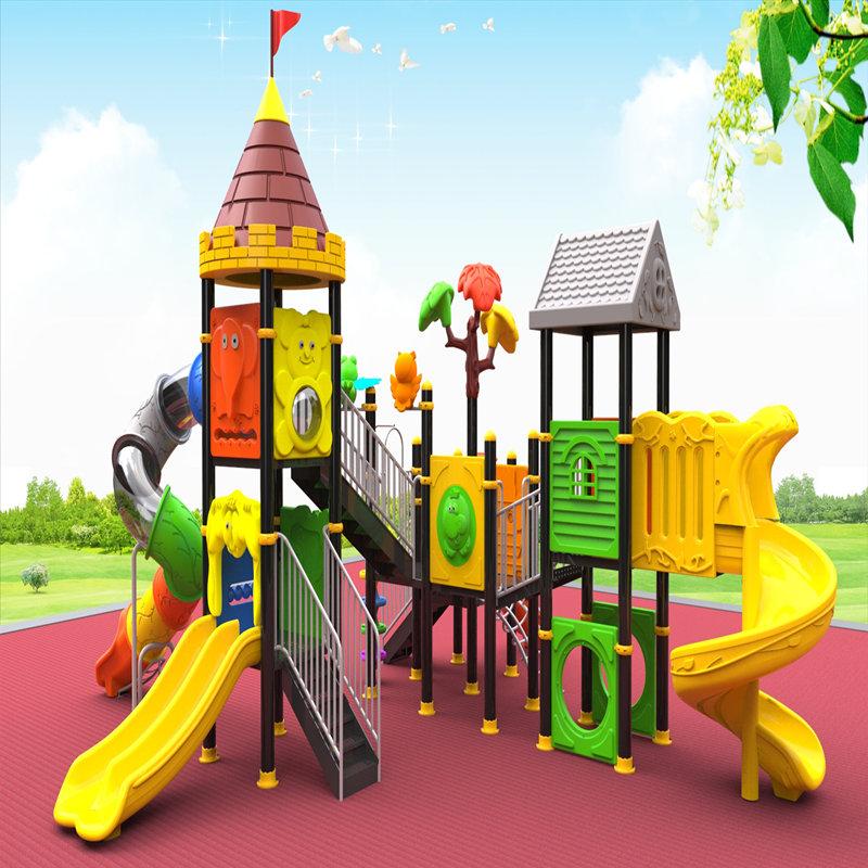 子供が付いている屋外の運動場装置は子供のおもちゃの家のゲームを滑らせます