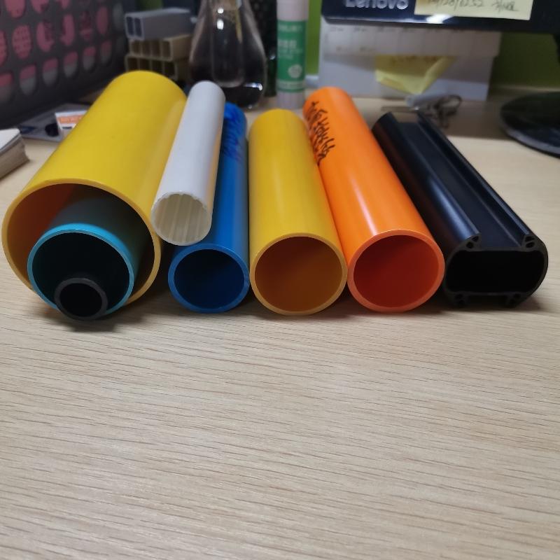 PVCのパイプからDIYのプロジェクトから何か興味深い記事を再印刷する必要があります