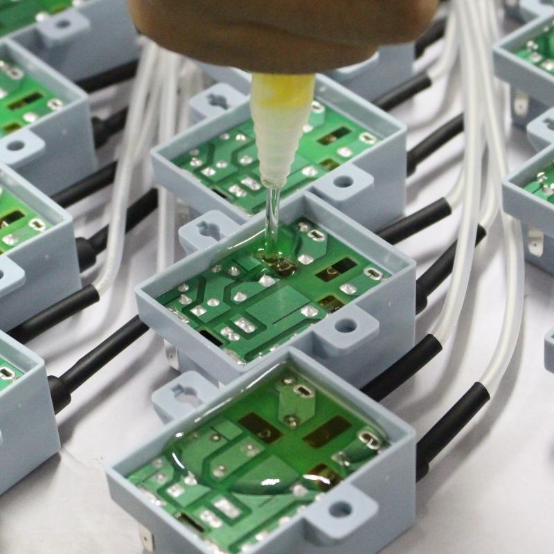 ポッティング接着剤メーカー:あなたは何が不均一な注ぎ接着剤を引き起こすか知っていますか?